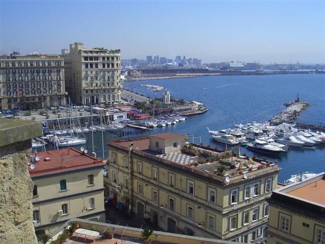 Büyük İtalya Turu Napoli, İtalya
