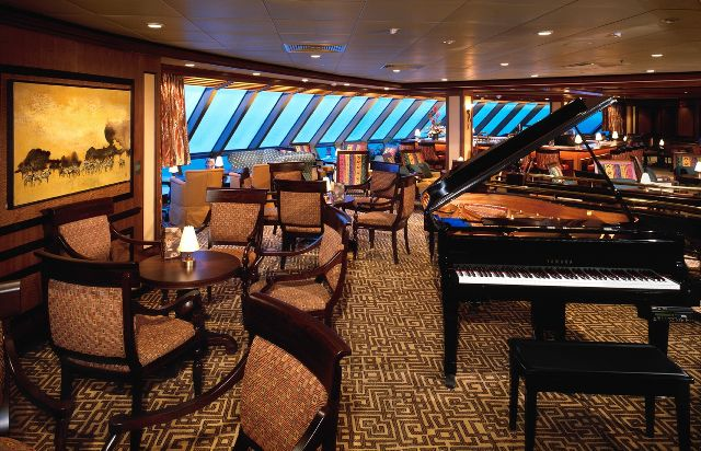 Royal Caribbean Serenade of The Seas ile İskandinavya & Rusya Turu Royal Caribbean Serenade of The Seas Gemisi